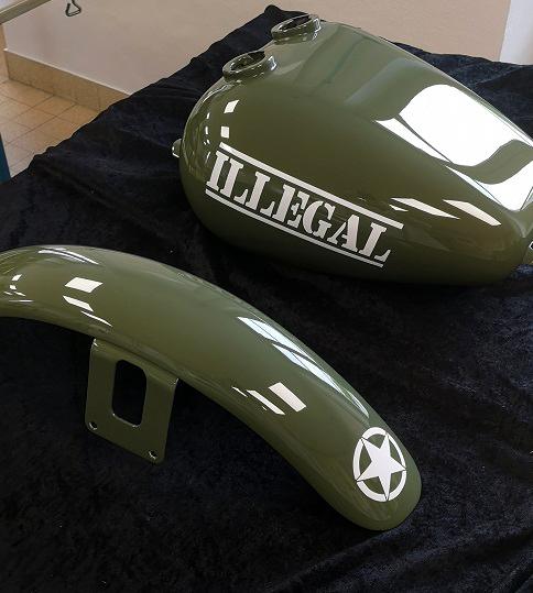 moto sur le theme armée