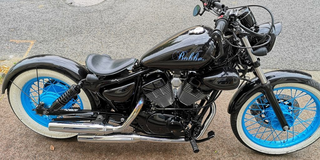 peinture moto bobber