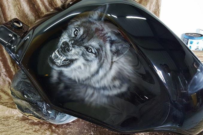 Peinture sur moto à l aérographe